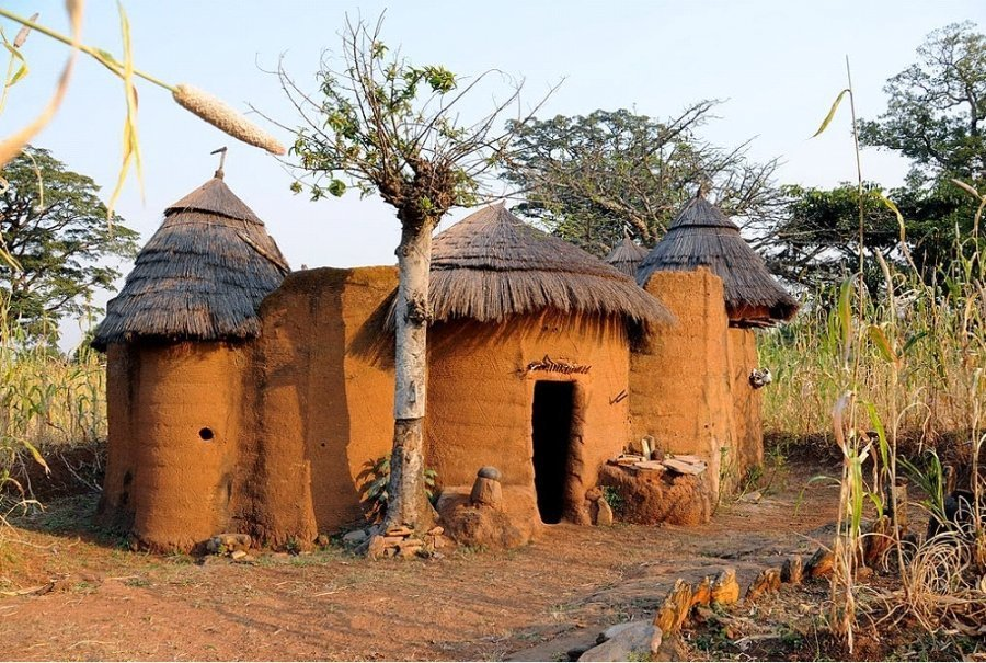 Foto: Koussoukoingou, Atakora, Benin. Jacques Taberlet (user Fouderg) authorises the use of the pictures by him published on Flickr under the Creative Commons 3.0 Attribution license.
